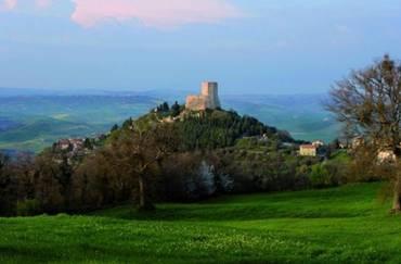 Castiglione: Village Pittoresque