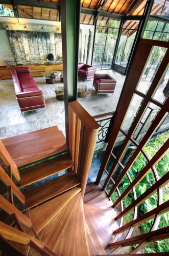 maison-luxe-escalier