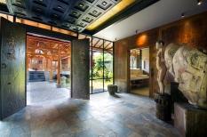 maison-luxe-portes-anciennes