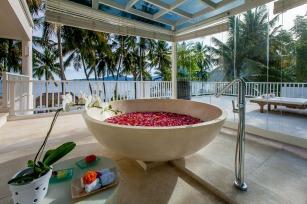 villa-candidasa-bain