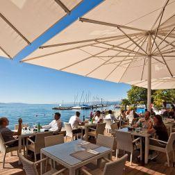 Terrasse-plage-lac-leman
