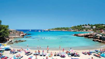 Eaux turquoise, plage d'Ibiza